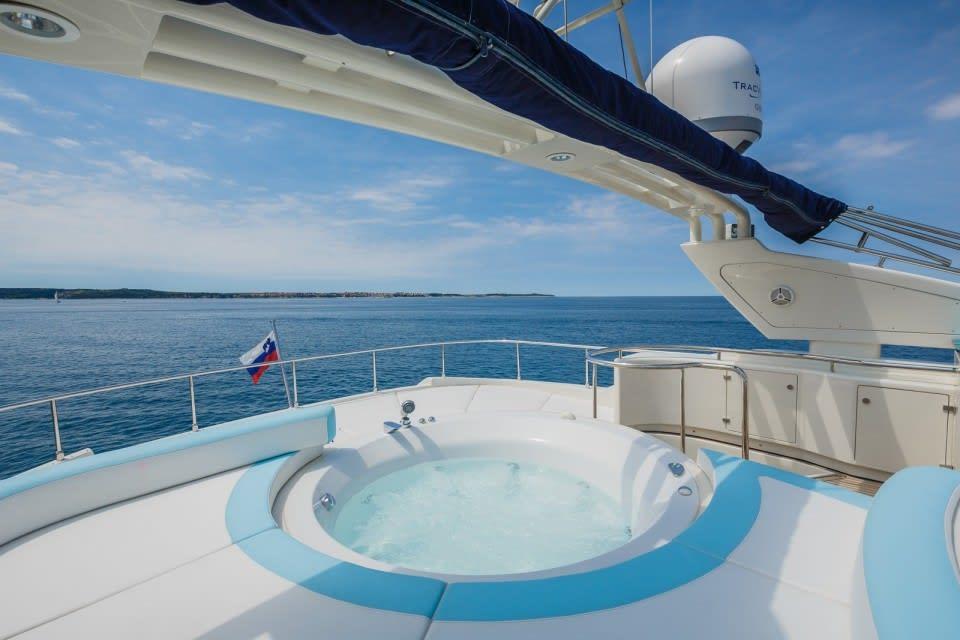 Моторная яхта Vellmari Yacht #4
