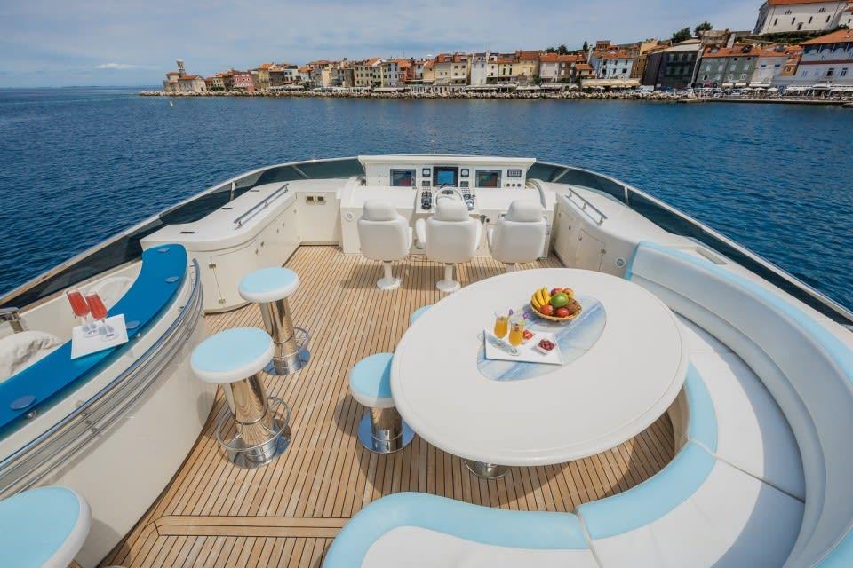 Моторная яхта Vellmari Yacht #21