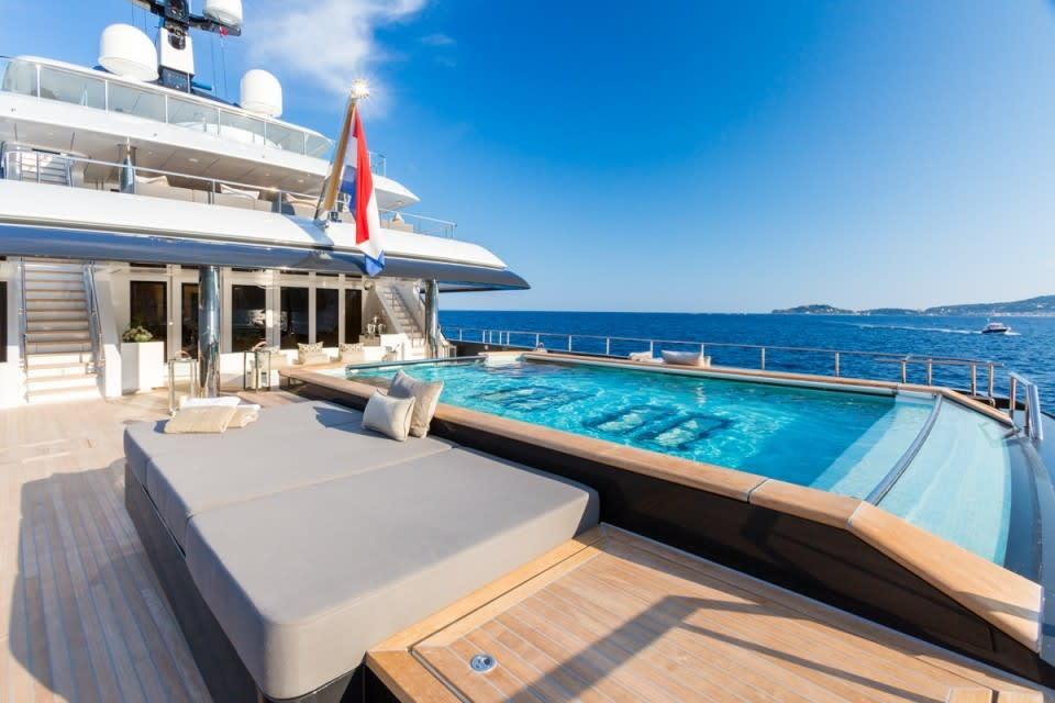 Моторная Icon Yacht #8