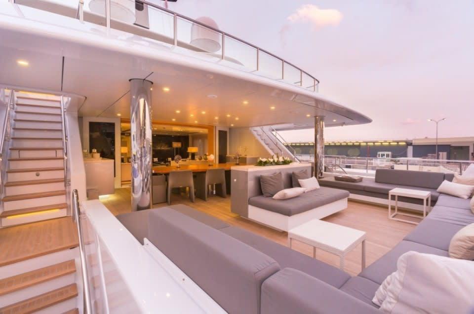 Моторная Icon Yacht #21