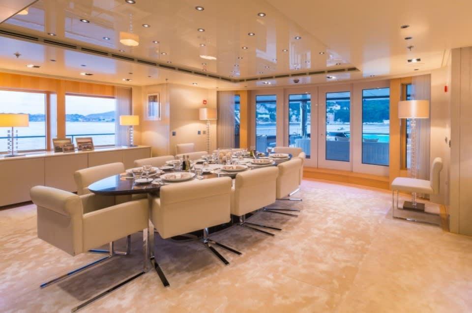 Моторная Icon Yacht #24