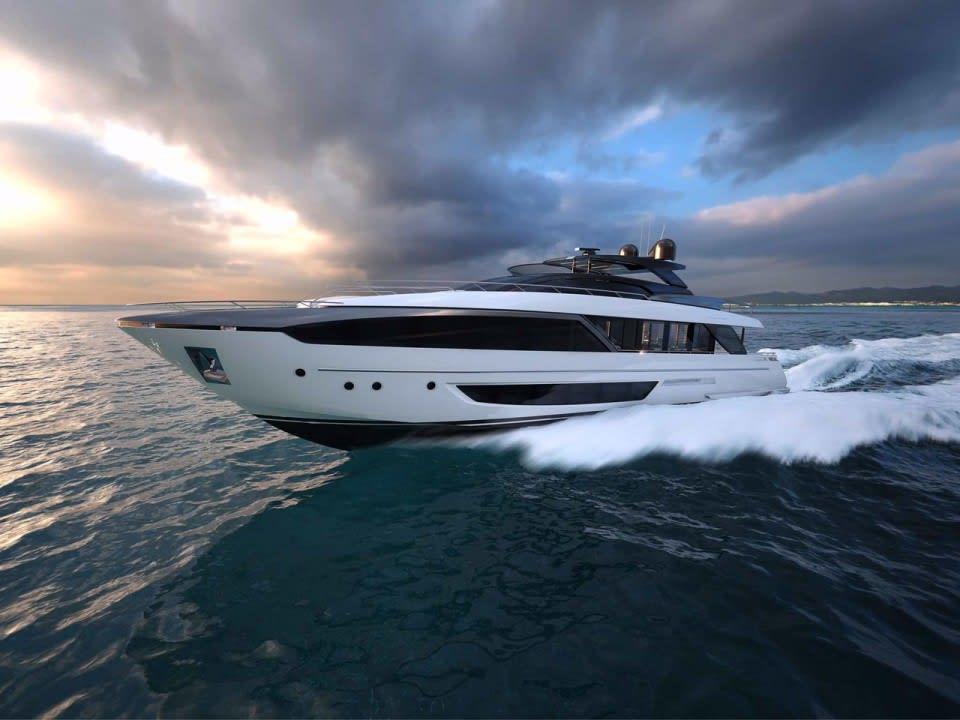 Моторная яхта Elysium I Yacht #1