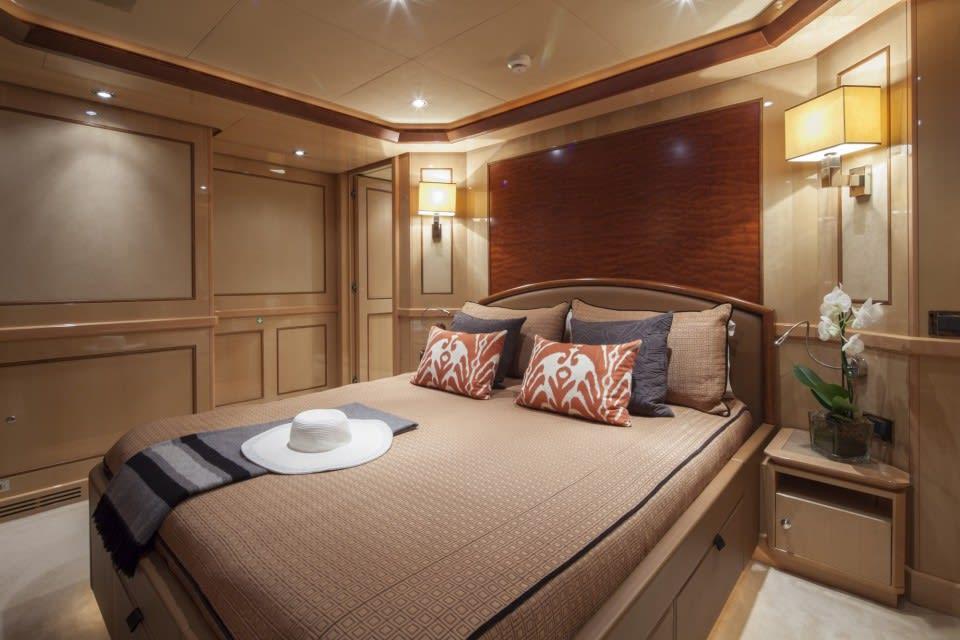 Моторная яхта SOFICO Yacht #10