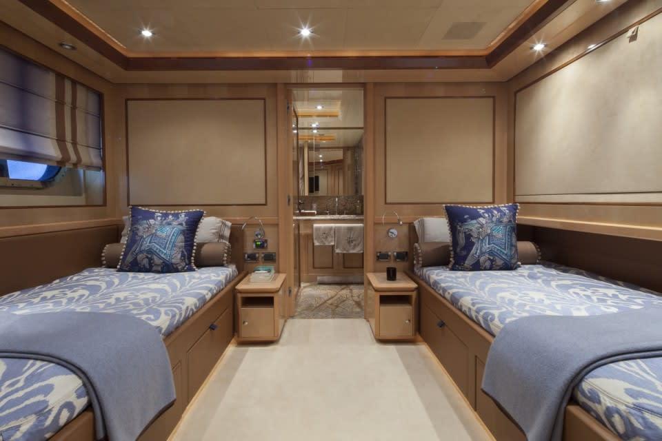 Моторная яхта SOFICO Yacht #21