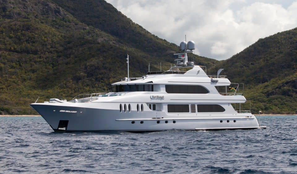 Моторная яхта Just Enough Yacht #1