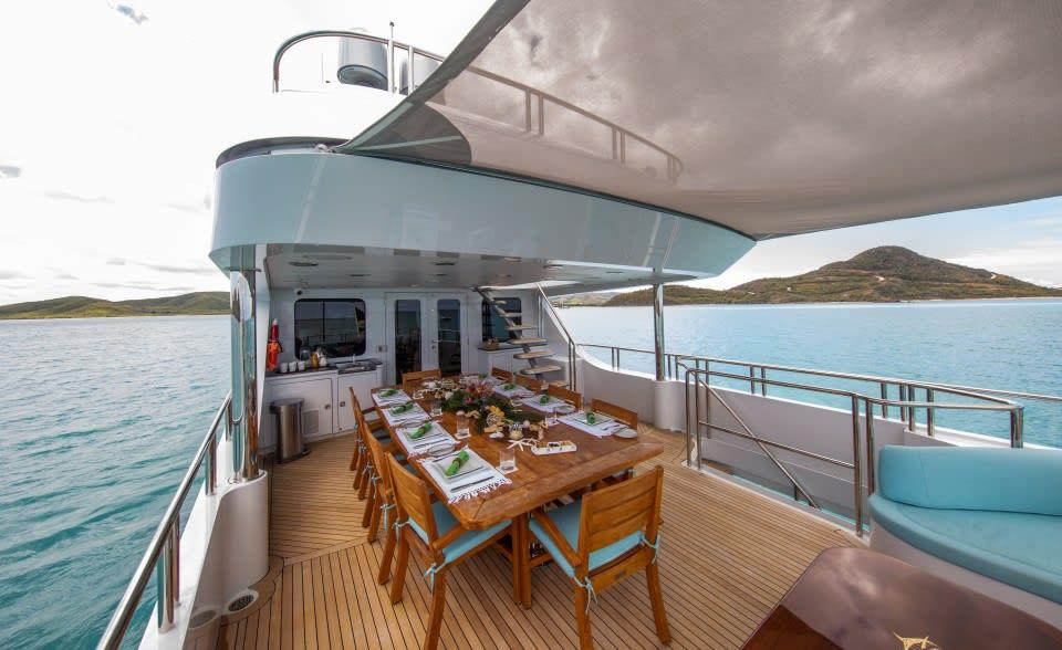 Моторная яхта Just Enough Yacht #22