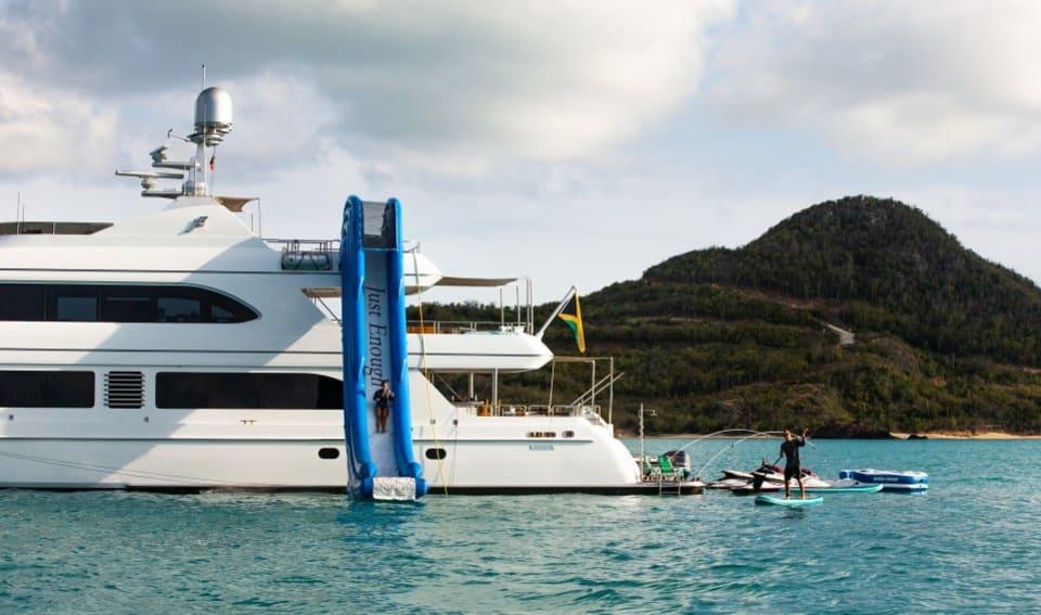 Моторная яхта Just Enough Yacht #24