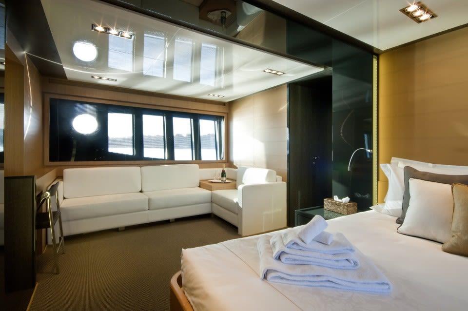 Моторная яхта Rhino A Yacht #8