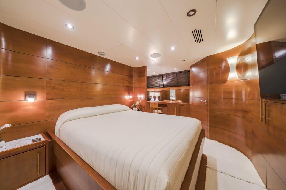 Моторная яхта Fiorente Yacht #13