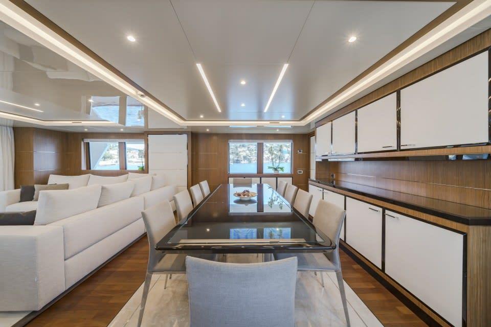 Моторная яхта Fiorente Yacht #18