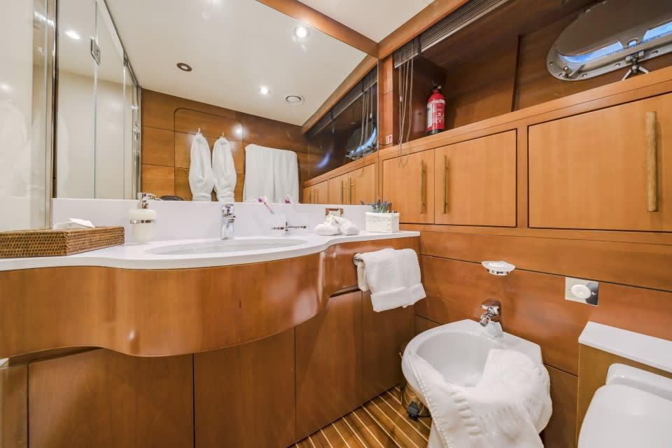 Моторная яхта Fiorente Yacht #17