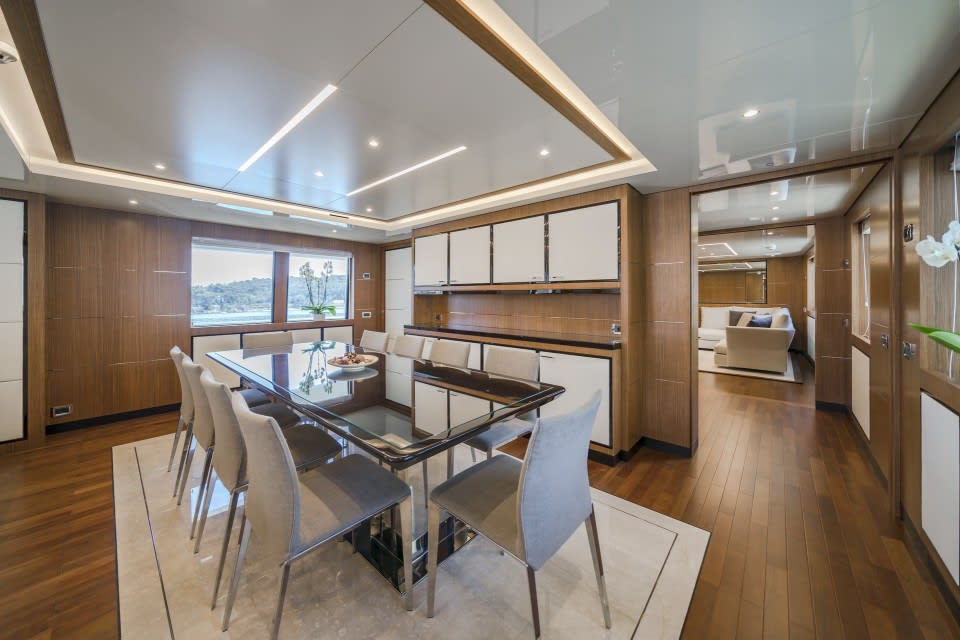 Моторная яхта Fiorente Yacht #19