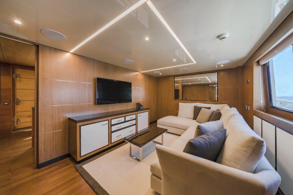 Моторная яхта Fiorente Yacht #23