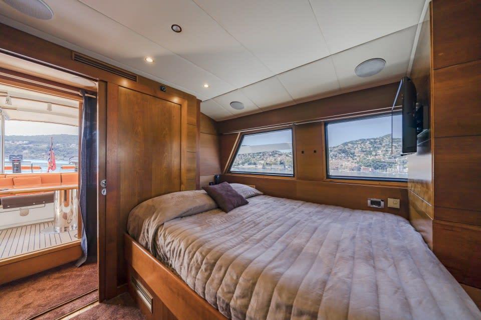 Моторная яхта Fiorente Yacht #24