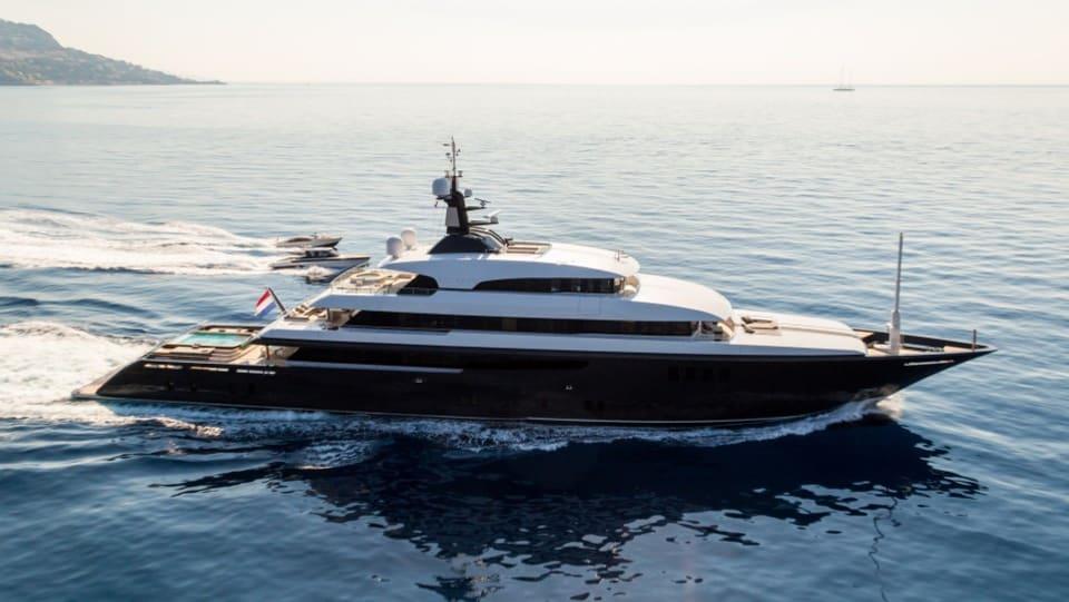 Моторная Icon Yacht #3