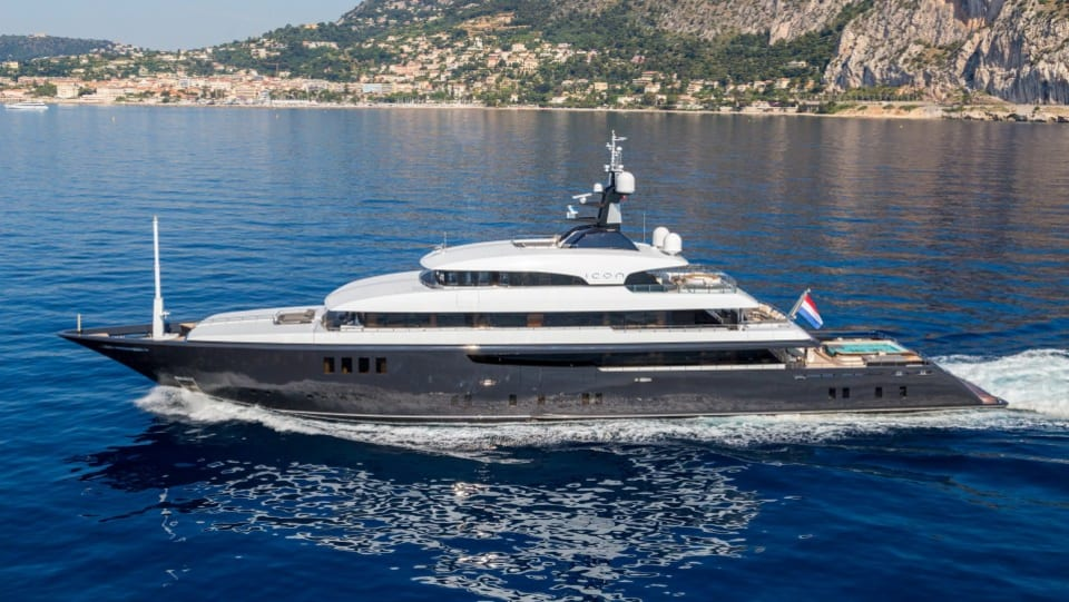 Моторная Icon Yacht #1