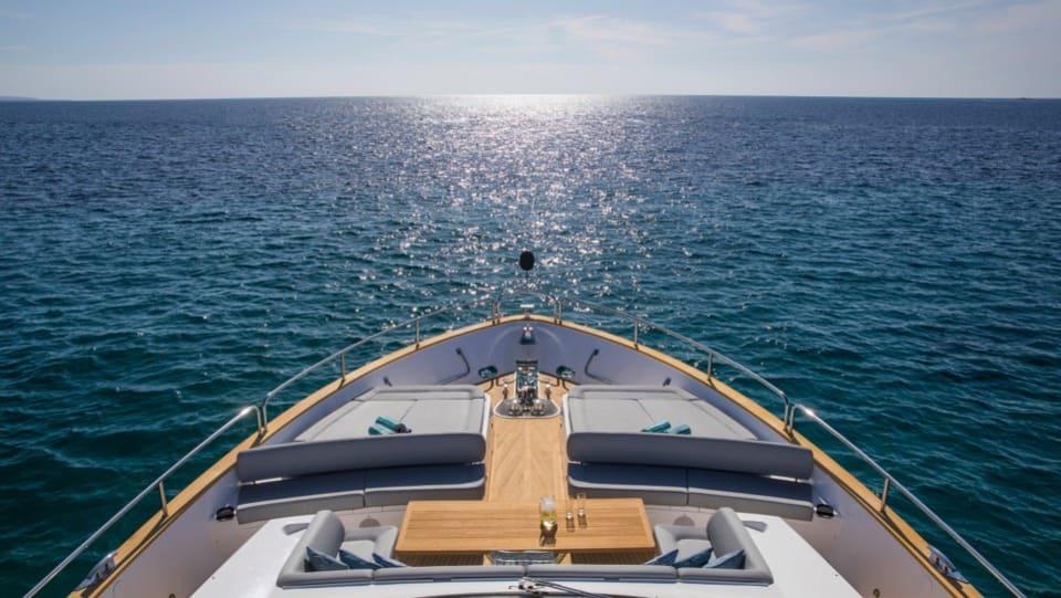 Моторная яхта Play the Game Yacht #2