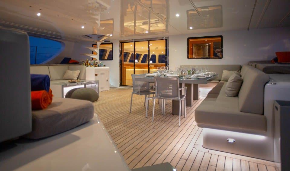 Моторная яхта CHE Yacht #15