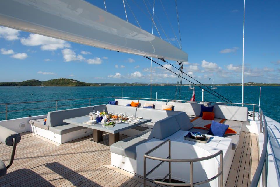 Моторная яхта CHE Yacht #14