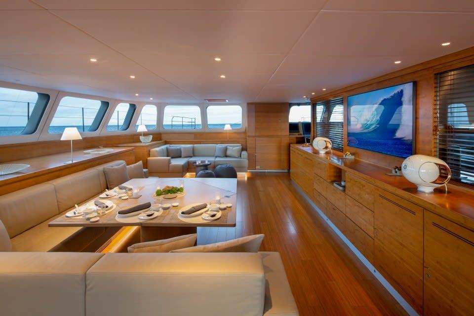 Моторная яхта CHE Yacht #17