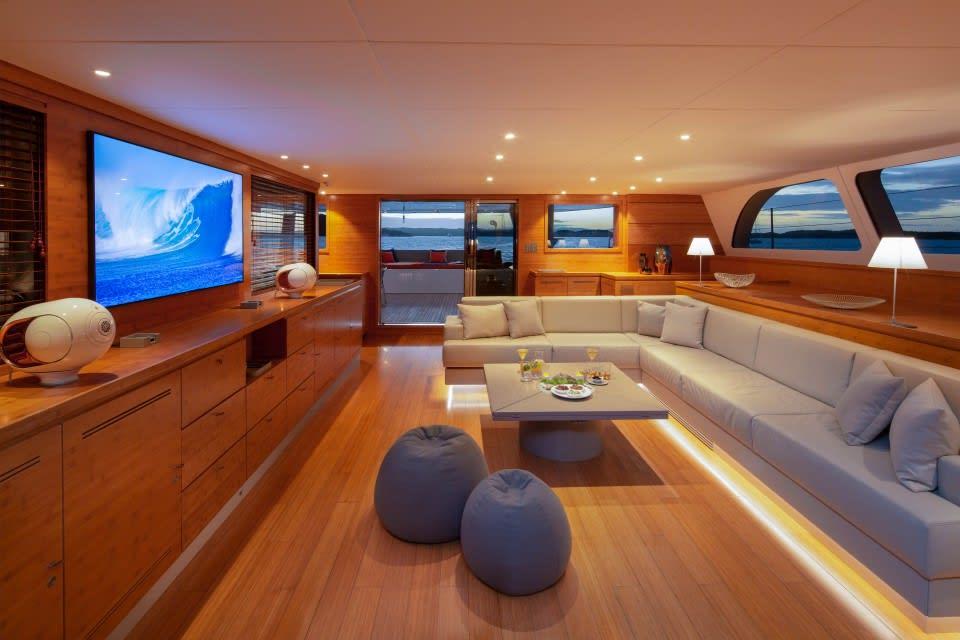 Моторная яхта CHE Yacht #18