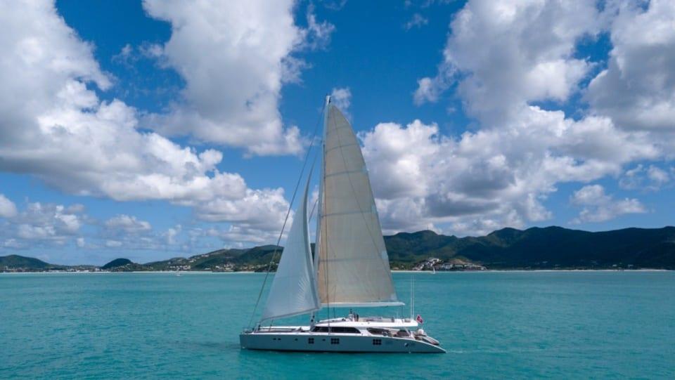 Моторная яхта CHE Yacht #5
