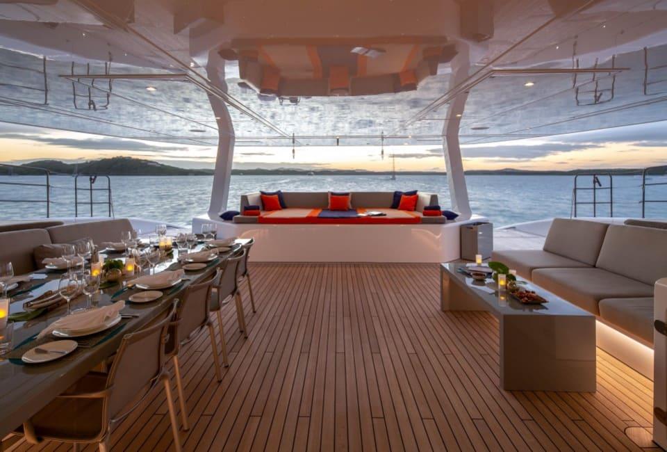 Моторная яхта CHE Yacht #24