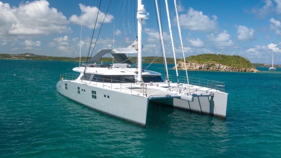 Моторная яхта CHE Yacht #2