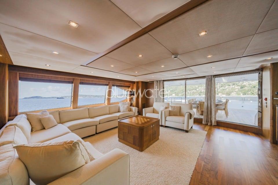 M/Y The Devocean Yacht #17