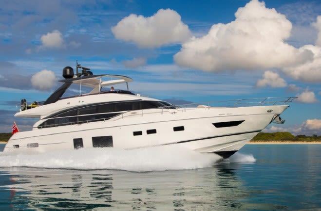 La Vie Yacht Charter | Princess
