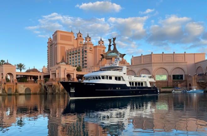 Моторная яхта SAMSARA | Maxi Dolphin
