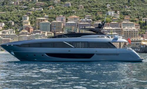 Продана 30-метровая яхта Maximus