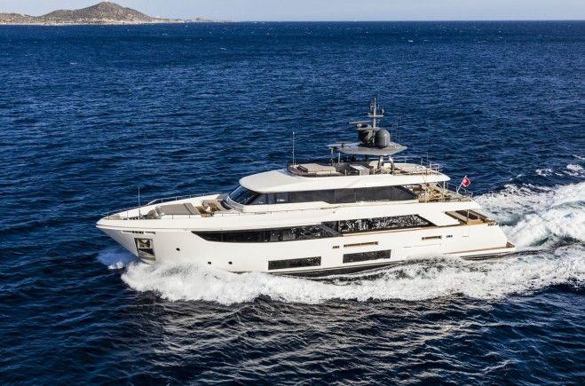 Custom Line Navetta 33 Luxury Yacht for Sale