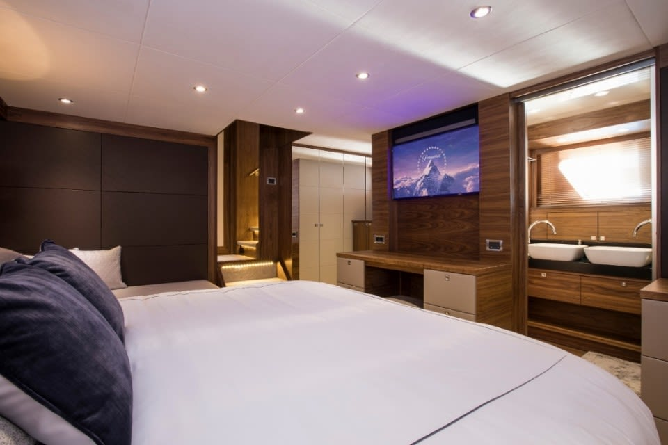 M/Y Eighteen Two Yacht #21