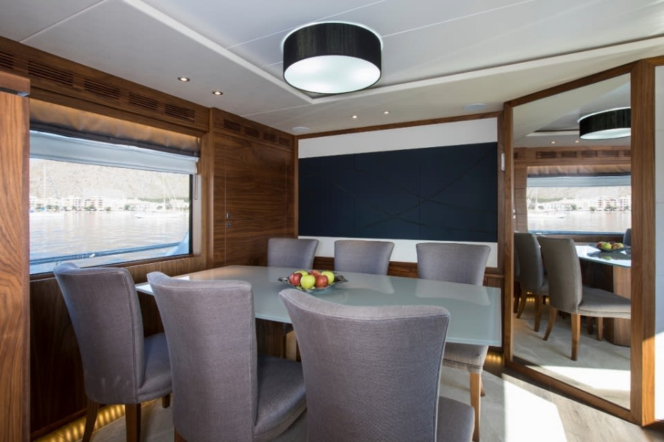 M/Y Eighteen Two Yacht #16