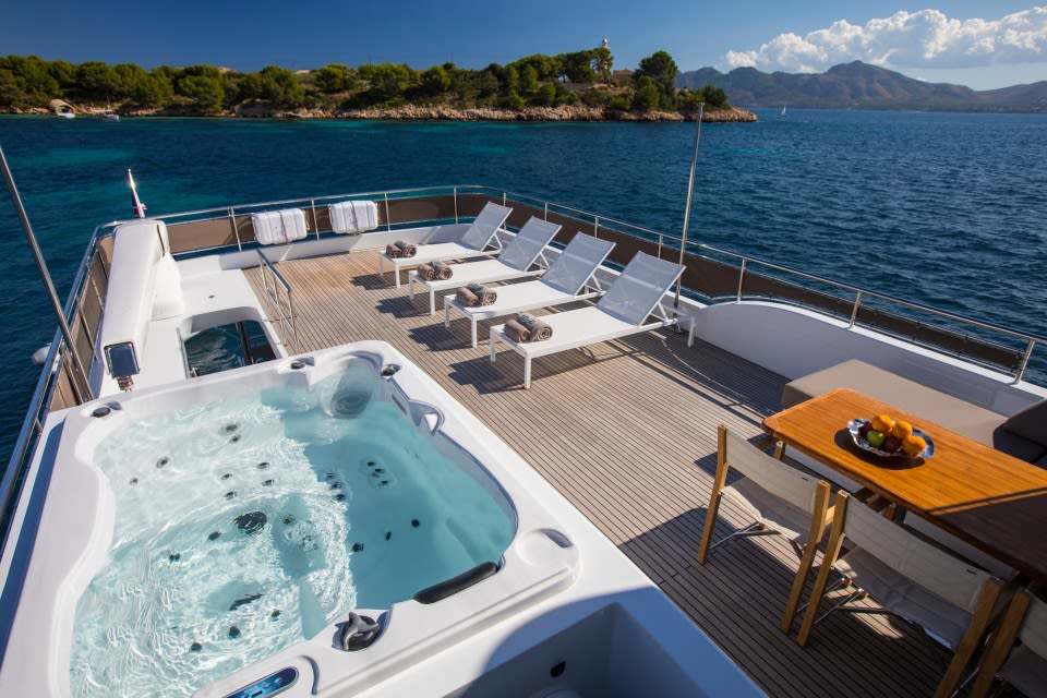 M/Y Eighteen Two Yacht #10