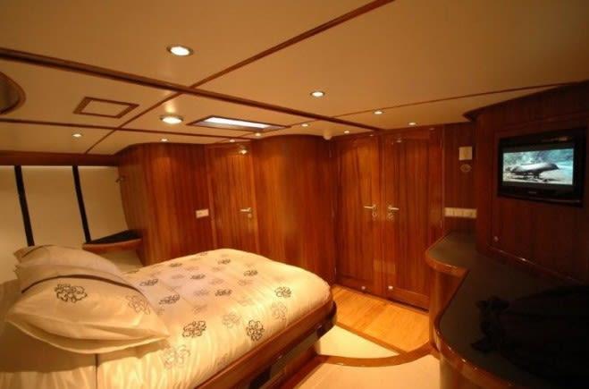S/Y Lady Thuraya Yacht #11