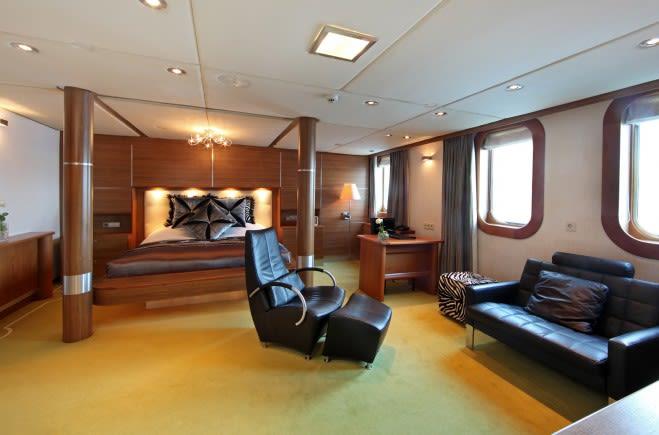 M/Y Sherakhan Yacht #17