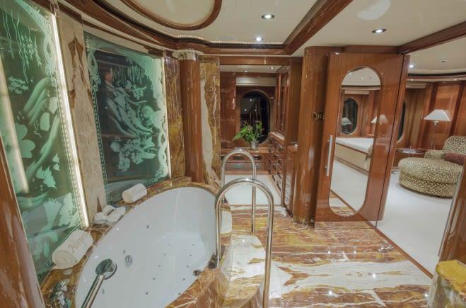 M/Y Amica Mea Yacht #32