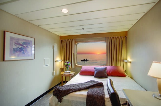 M/Y Endeavour Yacht #12