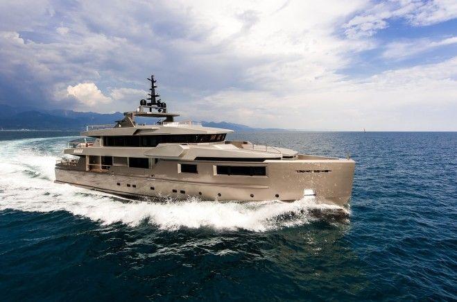 Giraud Yacht Charter | Admiral Yachts