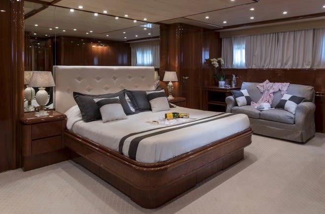 M/Y Sugar Yacht #10