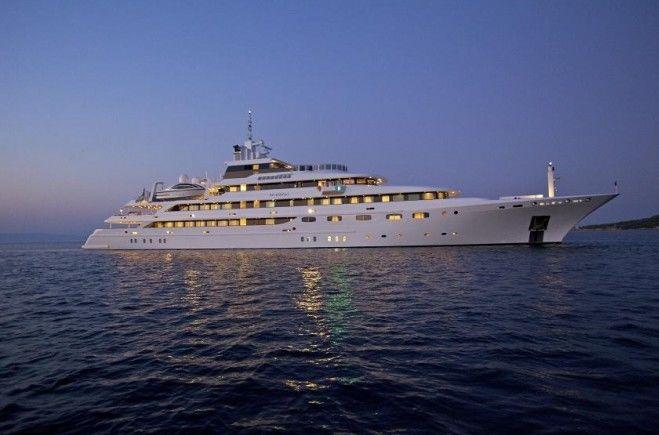 O'Mega Yacht Charter | Mitsubishi Yachts