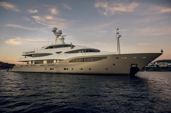 M/Y Light Holic Yacht #1