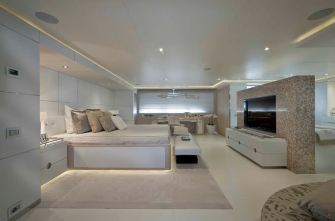 M/Y Light Holic Yacht #13