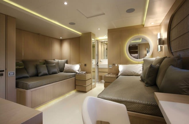 M/Y Light Holic Yacht #10