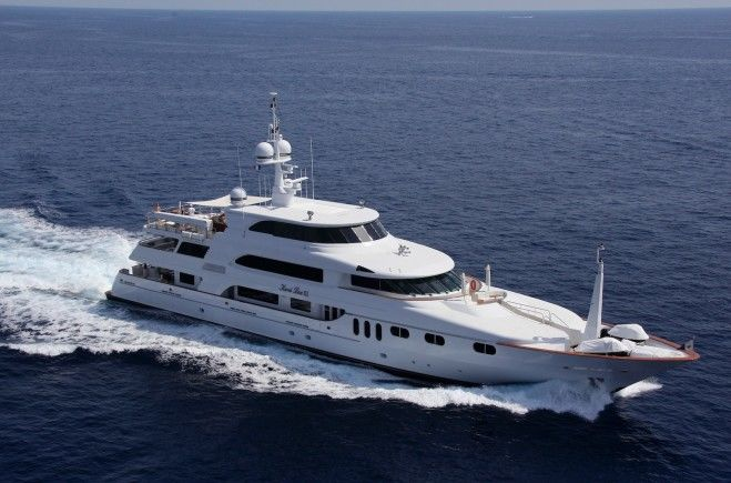 Keri Lee III Yacht Charter | Trinity Yachts