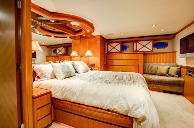 M/Y Equinox Yacht #13