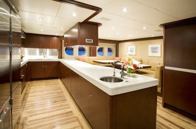 M/Y De Lisle III Yacht #24
