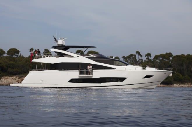 HERO Yacht Charter | Sunseeker
